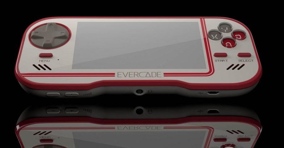 c8588d94cd6ba 画像1: 公認携帯レトロゲーム機「EVERCADE」お得価格